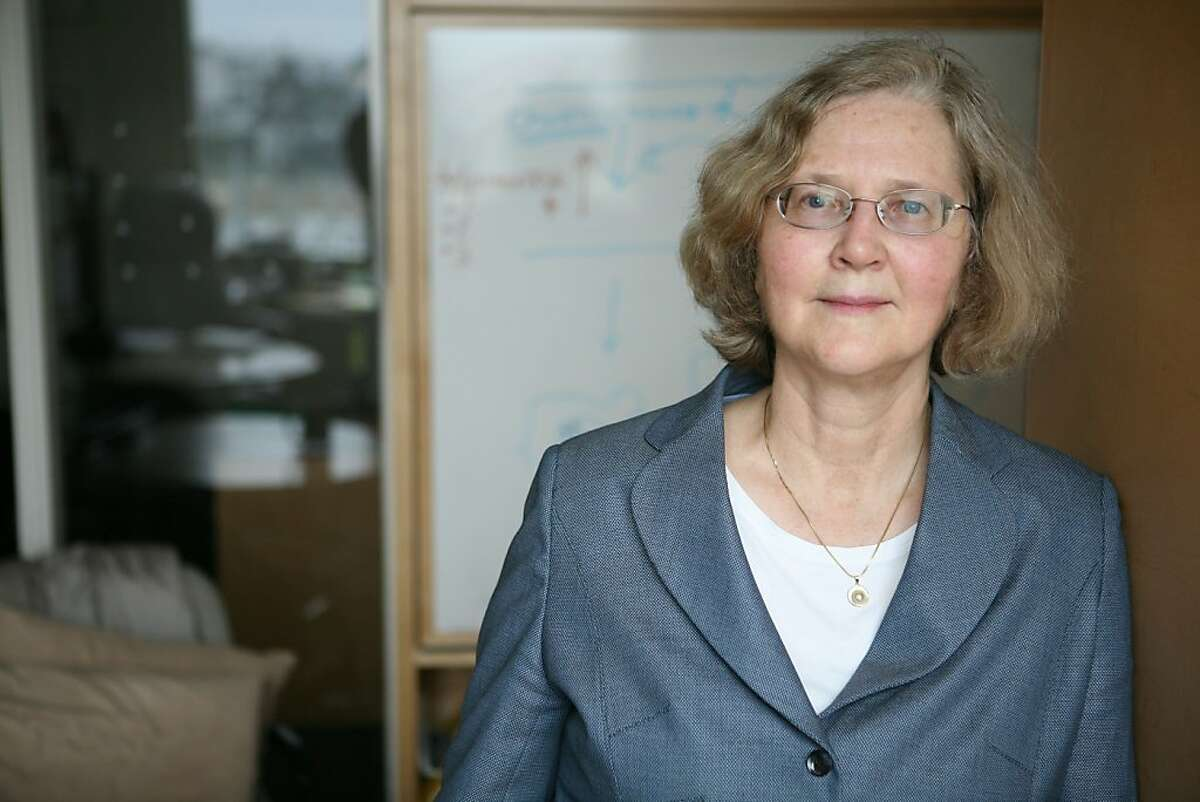 Dr. Elizabeth Blackburn, a nationally known, prominent aging researcher at UCSF who is studying telomeres, poses for a portrait on Friday, Dec. 12, 2008 in San Francisco, Calif. Blackburn has found scientific evidence that 30 minutes of exercise a day will make you live longer.