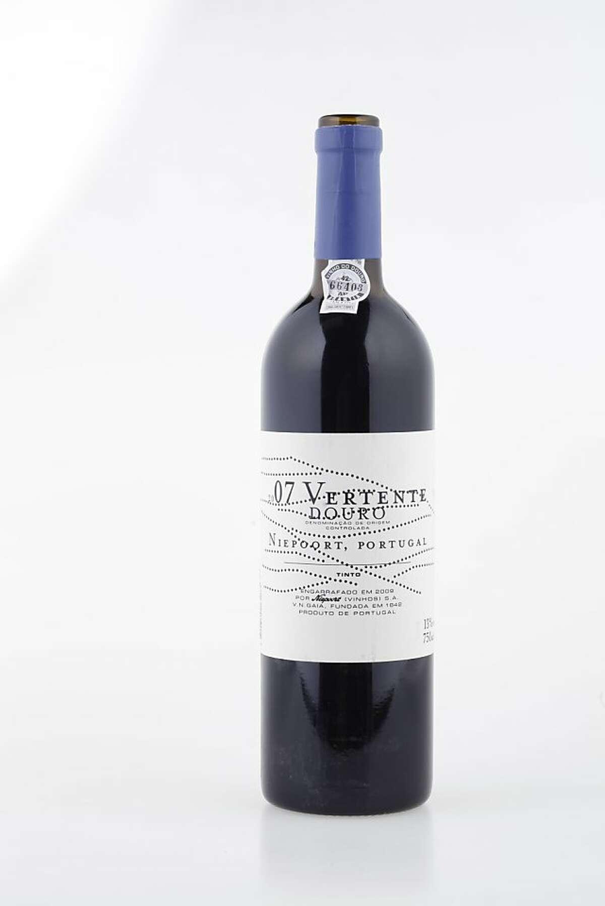2007 Niepoort Vertente Douro Tinto ($30, 13%).