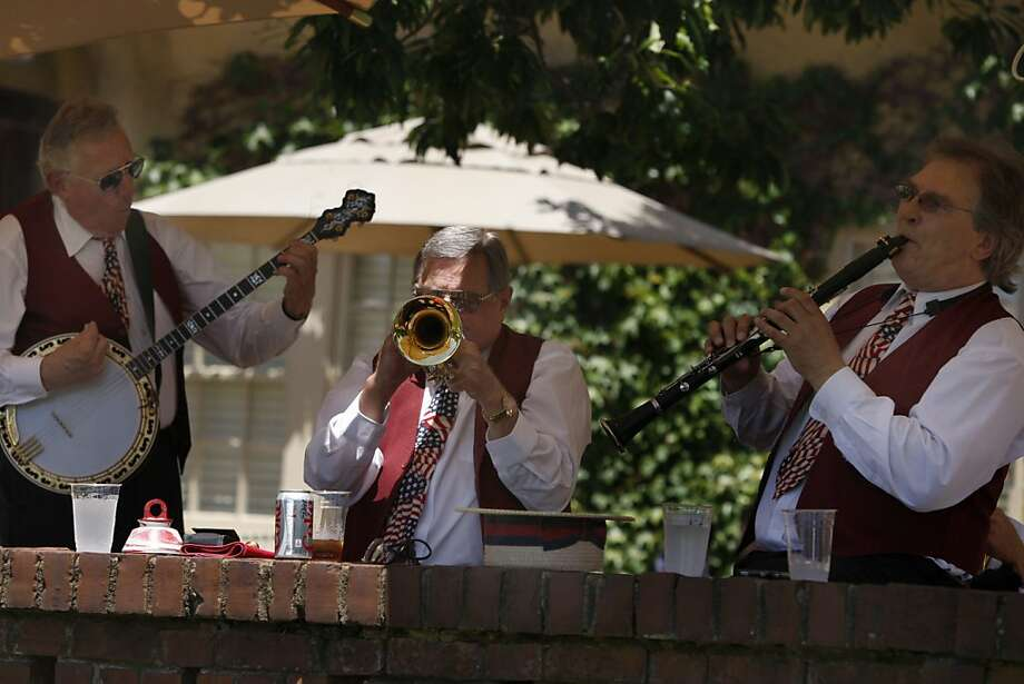 Randy Johnson plays the banjo, Bill Bachmann the trumpet and Dale Mills plays the clarinet for the Fourth of July celebration at Green Gables in Woodside Calif.,  on July 4, 2011. Photo: Audrey Whitmeyer-Weathers, The Chronicle