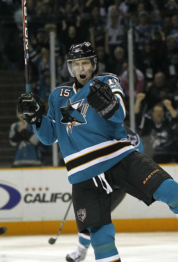 San Jose Sharks right wing Dany Heatley celebrates after scoring a goal against the Anaheim Ducks in the first period of an NHL hockey game in San Jose, Calif., Saturday, Oct. 30, 2010. Photo: Tony Avelar, AP