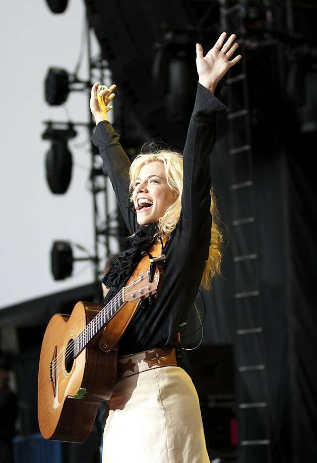 The Band Perry perform first during Tim McGraw's Emotional Traffic tour at the Shoreline Amphitheatre in Mountain View, Calif. on June 11. Photo: Lara Brucker, SFGate.com