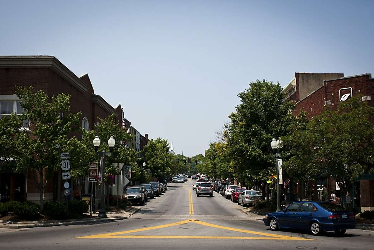 BEST CITIES TO RETIRE IN 10. Franklin, Tennessee Franklin is the #10 best place to retire in America, given its low crime rate and low cost of living.