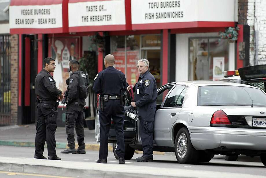 An east bay multi-agency task force raided several locations in Emeryville and Oakland associated with the Your Black Muslim Bakery on Friday, August 3, 2007, arresting 19 people in a pre-dawn raid. San Pablo Avenue near the Emeryville/Oakland border was shut down for hours as police, SWAT, bomb units and other law enforcement and emergency services agencies took part in the arrests. Police would not say whether the arrests had anything to do with the murder of Oakland journalist, Chauncey Bailey. Photo: Carlos Avila Gonzalez, SFC