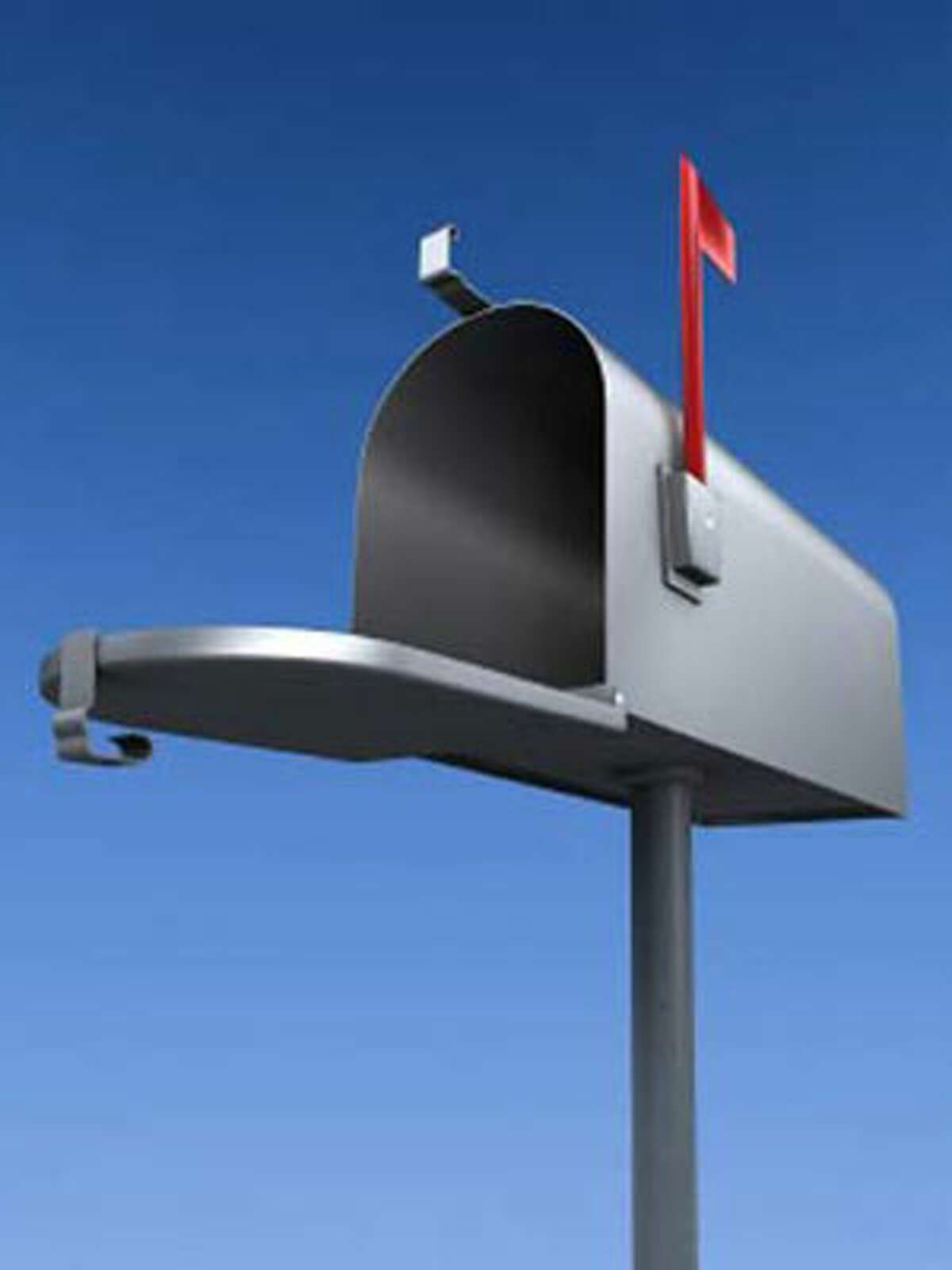 A 95 thousand dollar junk mail check changed Patrick Combs life. Money saving tips from Twiter users >>>