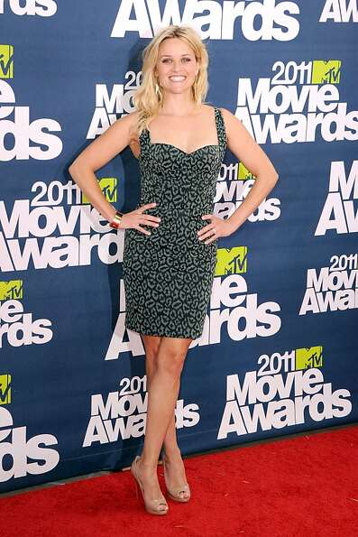 Actress Reese Witherspoon arrives at the 2011 MTV Movie Awards at Universal Studios' Gibson Amphithe