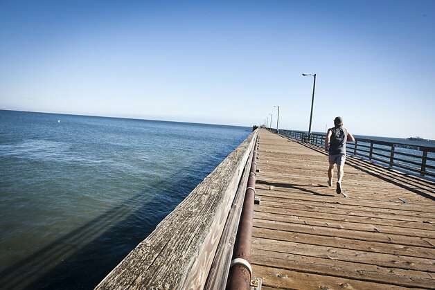 The pier at Avila Beach provides a great backdrop for runners. Photo: Ali Thanawalla, SFGate