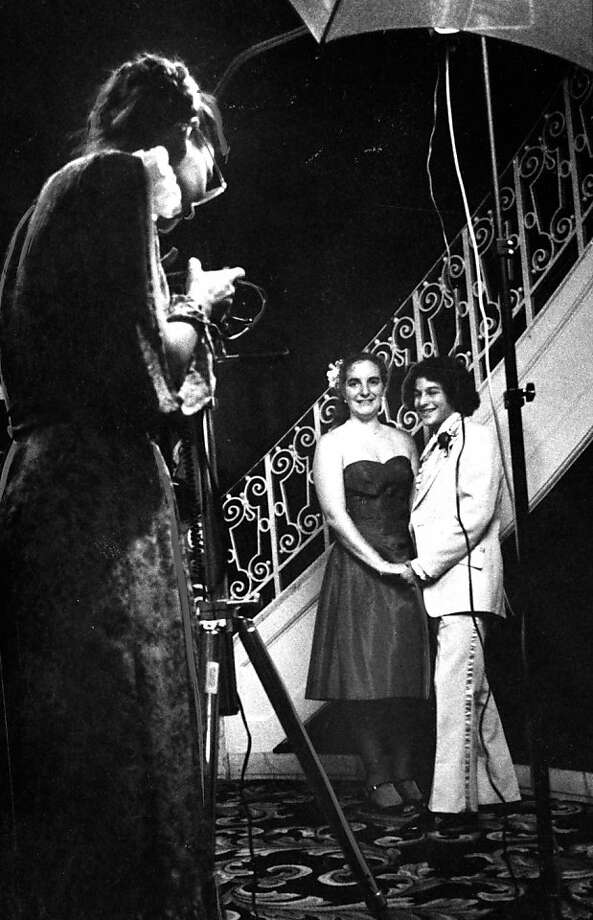 A couple gets their picture taken at the Mt. Tamalpias prom at the Fairmont on June 8, 1980.A couple gets their picture taken at the Mt. Tamalpias prom at the Fairmont on June 8, 1980. Photo: John Storey, The Chronicle
