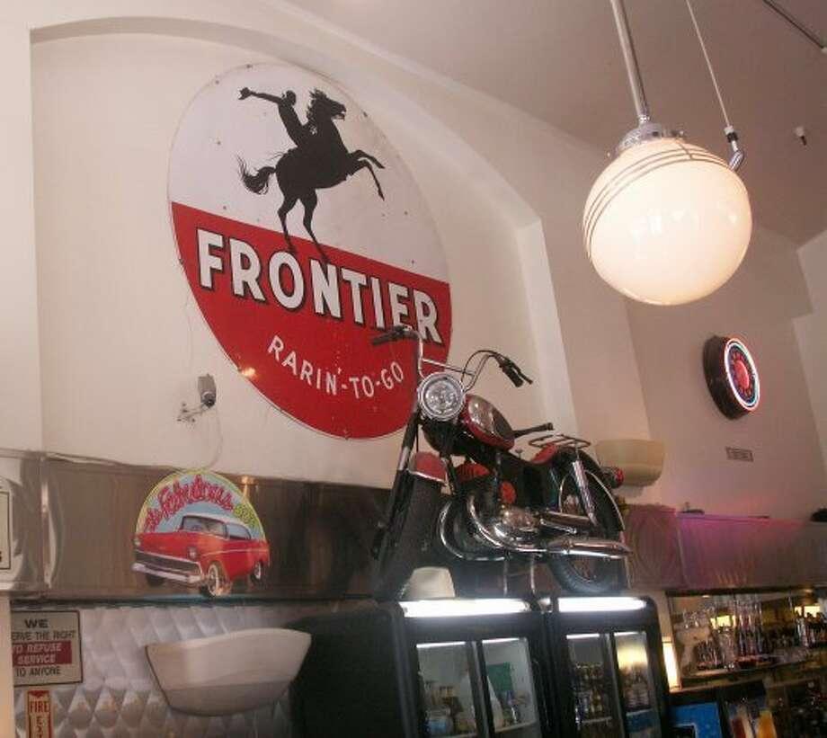 Photos of Lori's Diner, San Francisco Photo: Bob Bragman