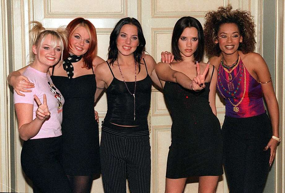 The Spice Girls posing at a hotel in Paris, Dec. 16, 1997. Photo: THOMAS COEX/AFP/Getty Images
