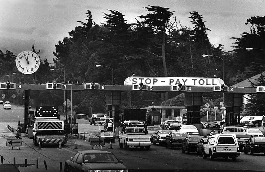 May 11, 1987 - The Golden Gate Bridge Toll Plaza looking south. Photo: Deanne Fitzmaurice, The Chronicle