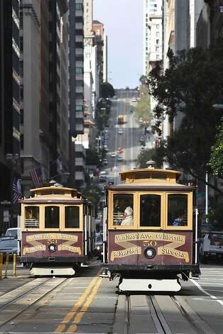 california street cable cars are back sfgate. Black Bedroom Furniture Sets. Home Design Ideas