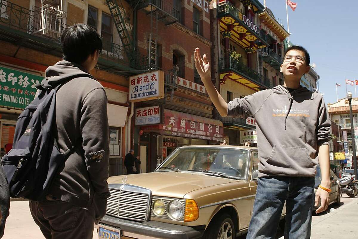 Chinatown tourists who don't want to look touristy Rather than stumble aimlessly into trinket shops or dim-sum joints, you can explore the many narrow alleys of Chinatown and learn the stories behind them from people who were raised there. The guides of Chinatown Alleyway Tours are students in high school and college who are well-versed with the labyrinthine layout of the neighborhood and all its easter-egg points of interest - such as the erhu-playing retired barber who appeared in