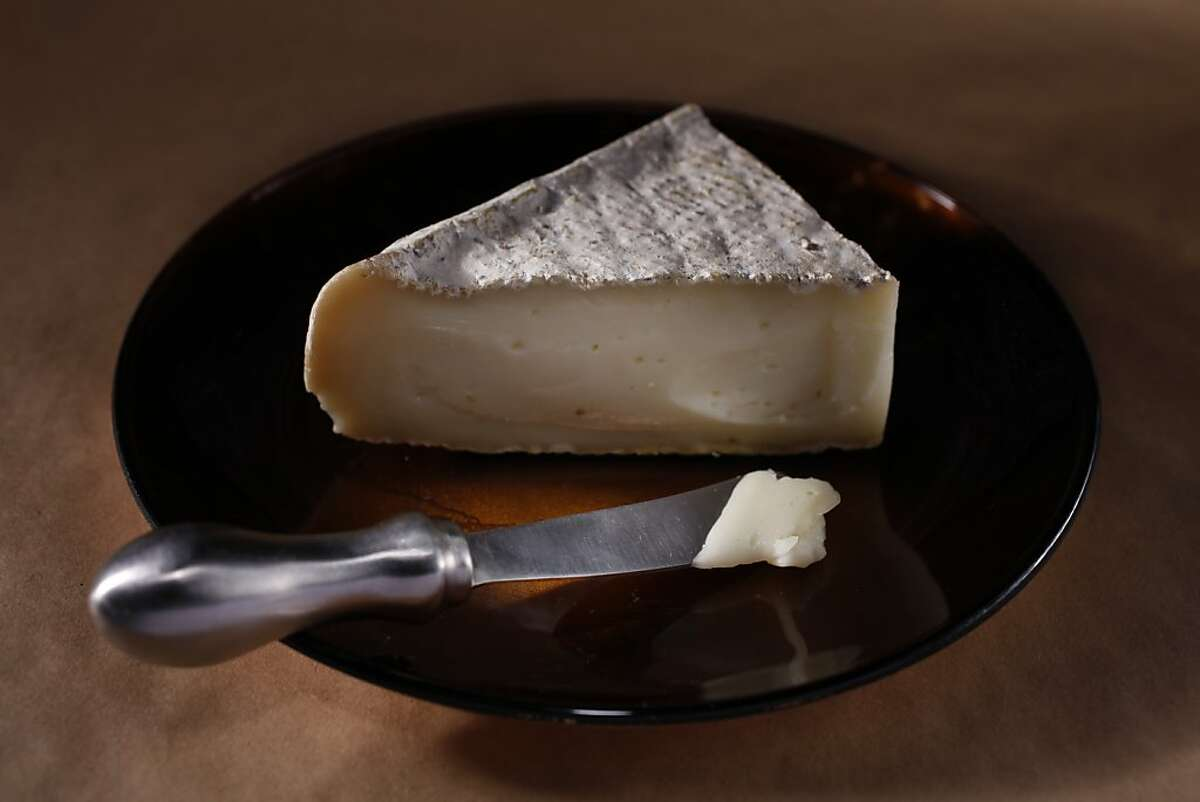 Nuvola di Pecora cheese is a sheep's milk cheese that has a thin, bloomy, Brie-like rind and a supple, pliant texture.