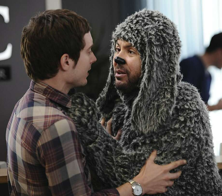 "WILFRED: L-R: Elijah Wood as ""Ryan"" and Jason Gann as ""Wilfred"" in the WILFRED episode ÒTrust,"" airing on FX. Photo: Michael Becker, FX"