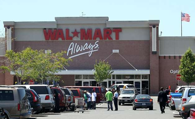 The front of the Oakland, Calif., Walmart is shown on Monday, June 20, 2011. The Supreme Court ruled Monday that employees of Walmart could not file a class action lawsuit against the giant retailer for sexual discrimination. However, the court said they can file suits individually. Photo: Mathew Sumner, Special To The Chronicle