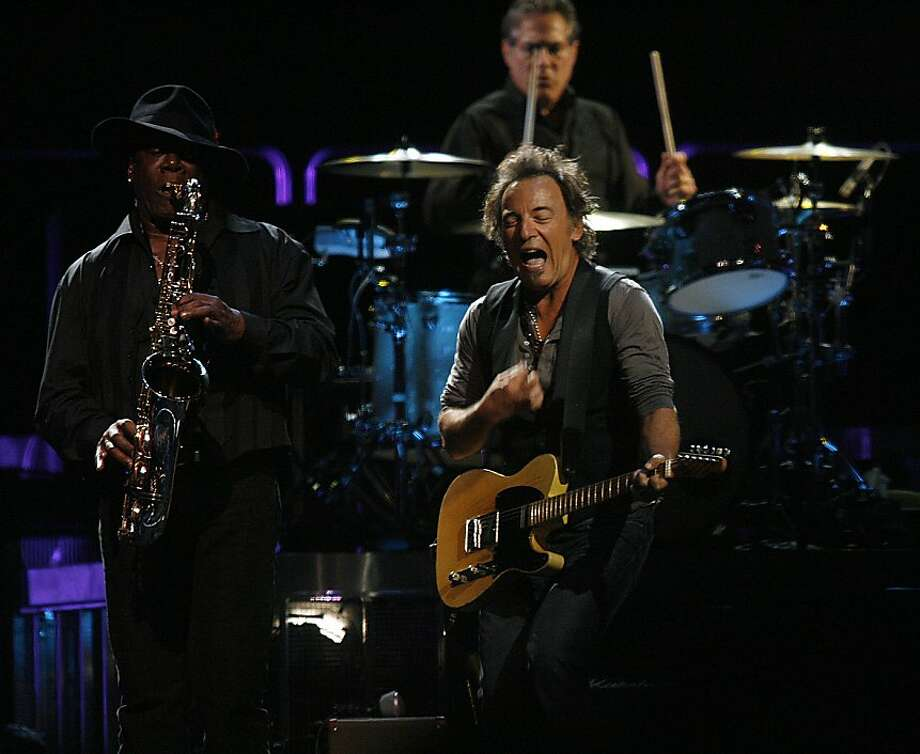 Clarence Clemons and Bruce Springsteen perform with the E Street Band at Oracle Arena in 2007. Photo: Liz Hafalia, Sfc