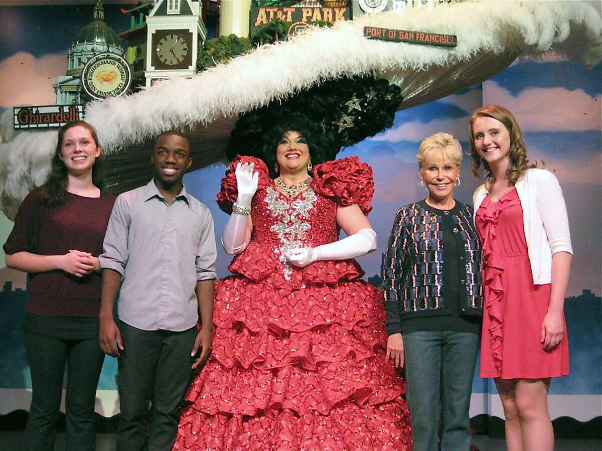 Scholarship winners Jessica Chanliau and Darius Drooh (at left) with BBB cast member Tammy Nelson, BBB Producer Jo Schuman Silver and scholarship winner Jillian Butler. June 2011. By Catherine Bigelow.