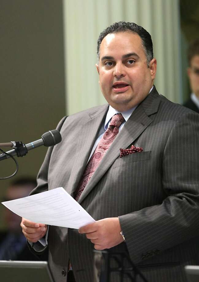 In this photo taken Thursday, April 28, 2011, Assembly Speaker John Perez, D- Los Anglees, is seen at the Capitol in Sacramento, Calif.     The Assembly Rules Committee that Perez oversees again rejected requests from The Associated Press and the San JoseMercury News to release his calendar and those of other Assembly members. The Senate Rules Committee also refused to release senatorsÕ calendars. Photo: Rich Pedroncelli, AP