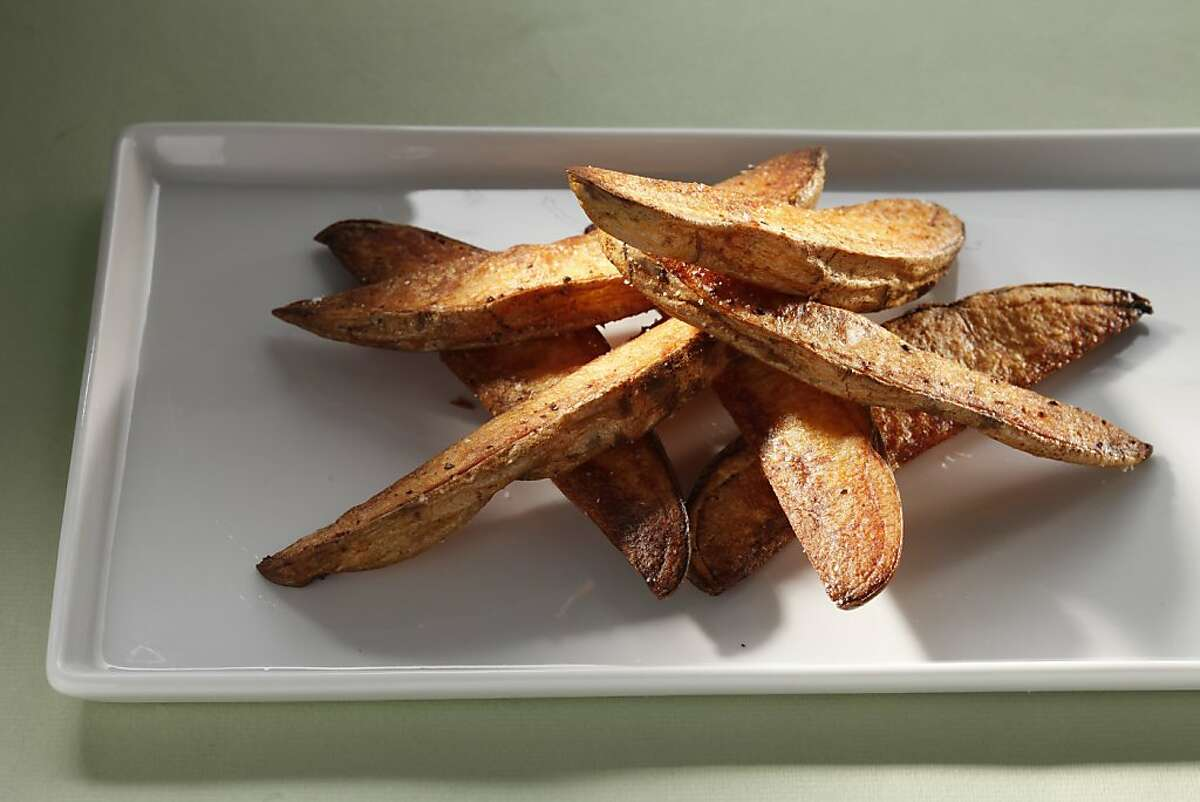 Crispy oven fries, adapted from