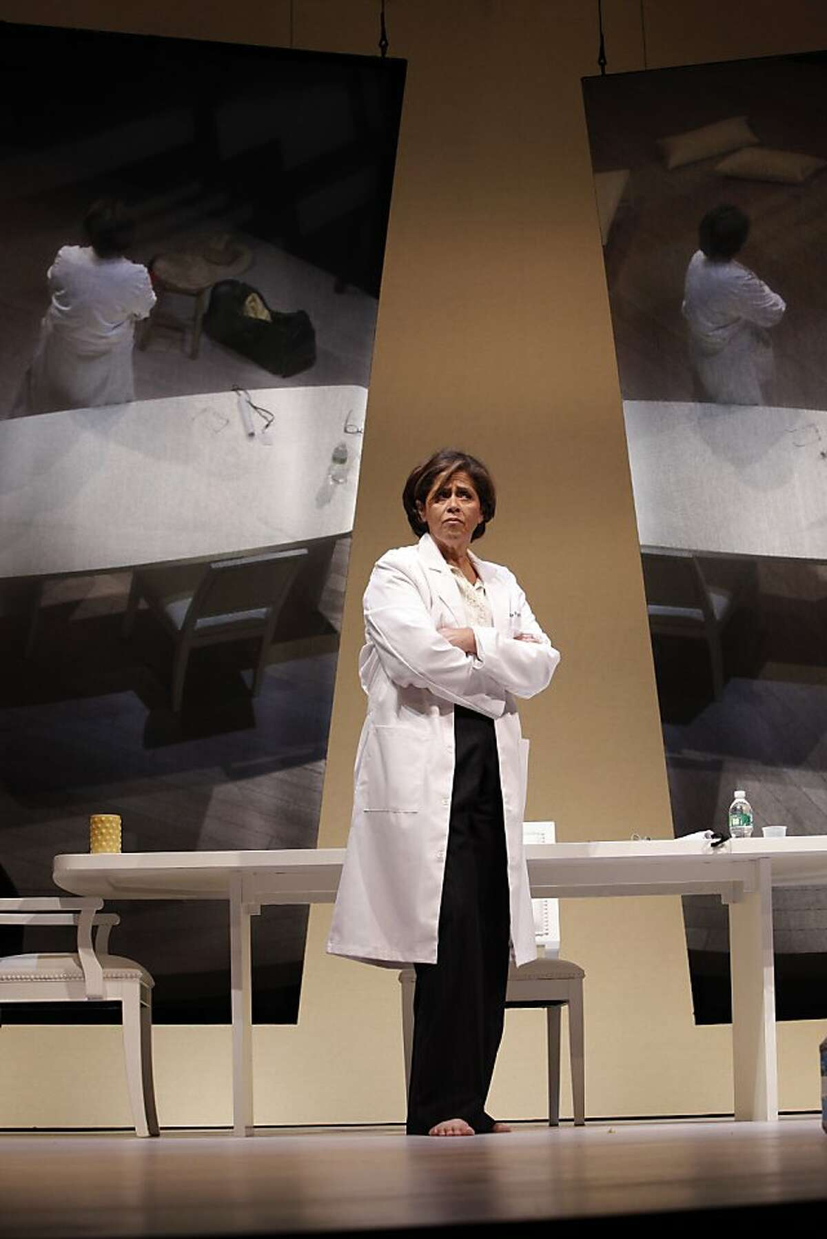 """Anna Deavere Smith as one of many characters in her solo """"Let Me Down Easy"""" at Berkeley Repertory Theatre"""