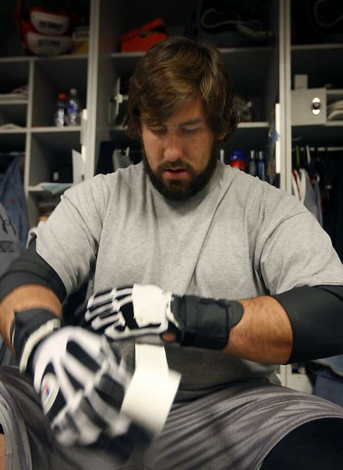 San Francisco 49ers offensive tackle Adam Snyder goes through his daily twenty minute ritual of taping his hands before practice in Santa Clara, Calif., on Thursday, Dec. 10, 2009. Photo: Paul Chinn, The Chronicle