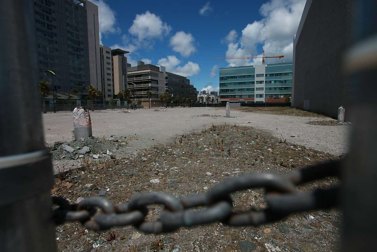 An empty lot along Third Street that Salesforce wants to develop is seen in San Francisco, Calif., Wednesday, June 1, 2011.