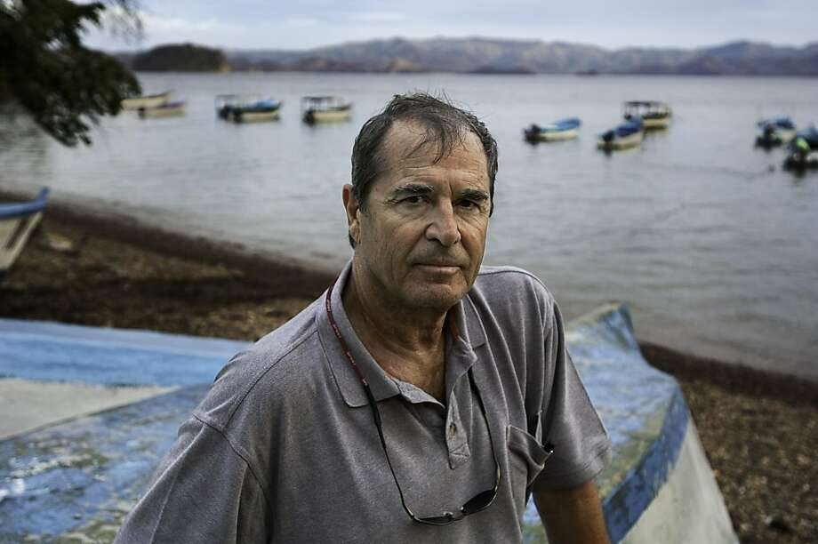Paul Theroux Photo: Steve McCurry Studios