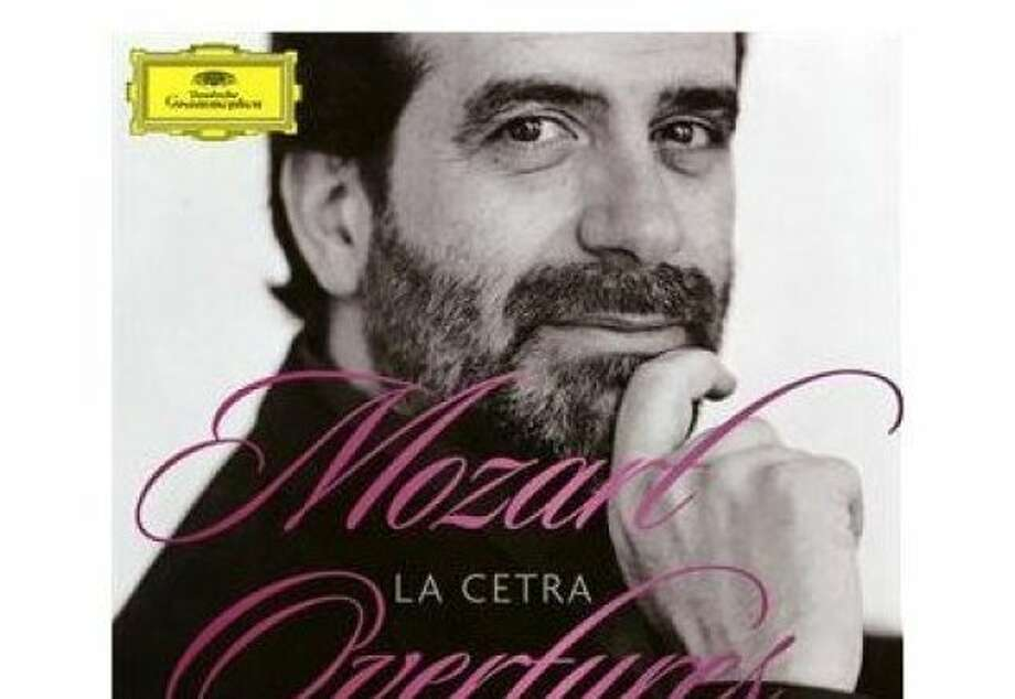 cd cover  MOZART OVERTURES Photo: Amazon.com