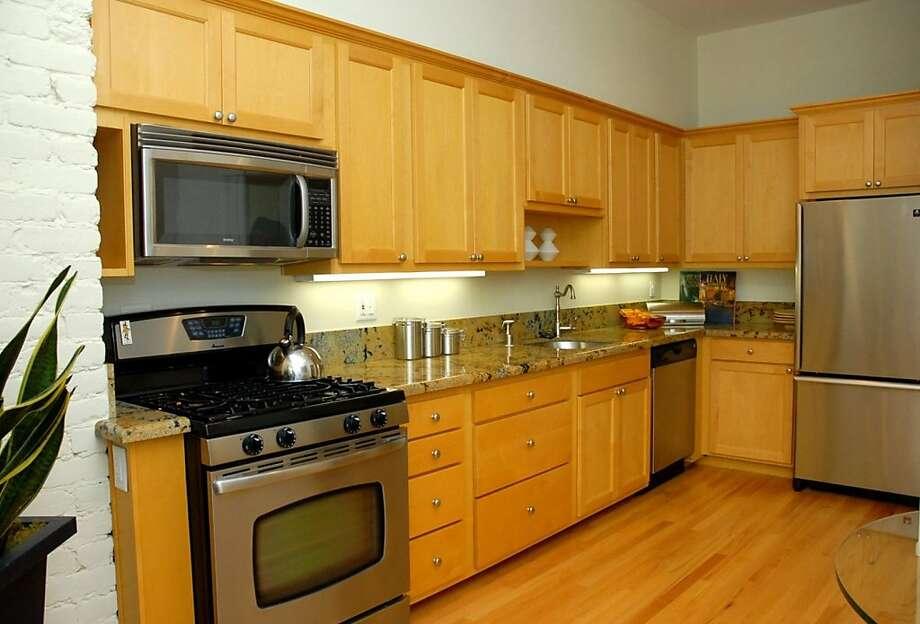 1655 Baker Photo: Ken Etchepare, Mason-McDuffie Real Estate