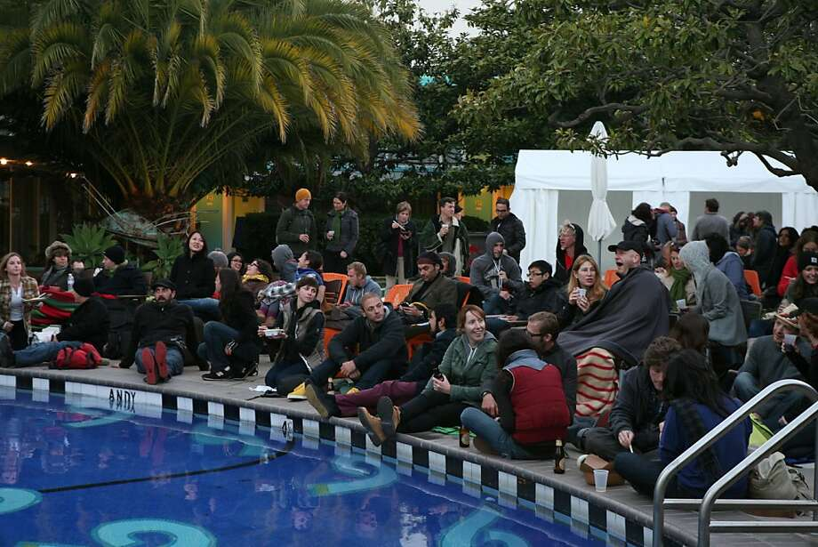 The bike-in screening of the Disposable Film Festival at the Phoenix Hotel. Photo: Sarah Adler