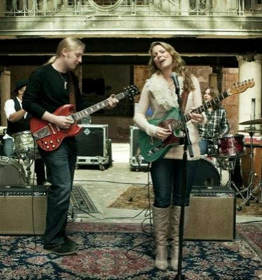 Susan Tedeschi and Derek Trucks of the Tedeschi Trucks Band, Photo: Tedeschitrucksband.com