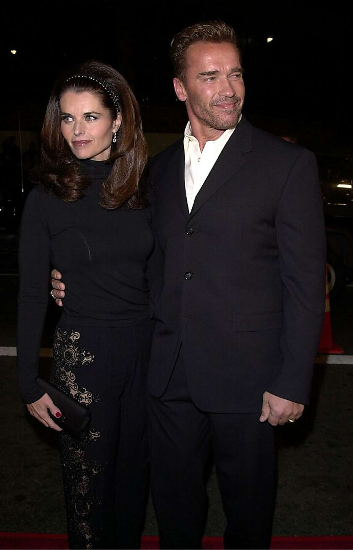 381840 06: Actor Arnold Schwarzenegger and wife Maria Shriver arrive at the premiere of