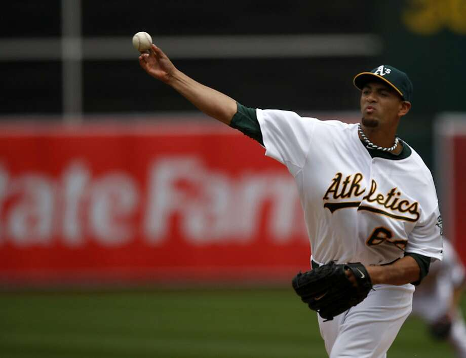 The Oakland Athletics' Tyson Ross pitches in the third inning against the Chicago White Sox in Oakland on Saturday. Photo: Thomas Levinson, The Chronicle