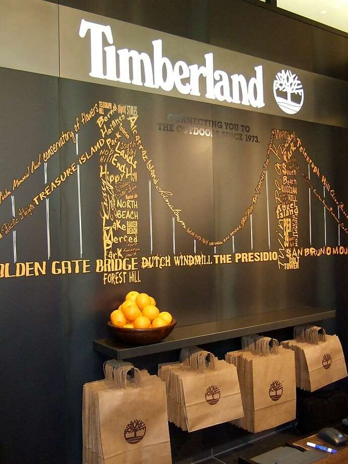 Timberland opened its new store in Westfield San Francisco Centre April 30, 2011. This Golden Gate Bridge mural was commissioned for the store. Photo: Laura Compton, SFC