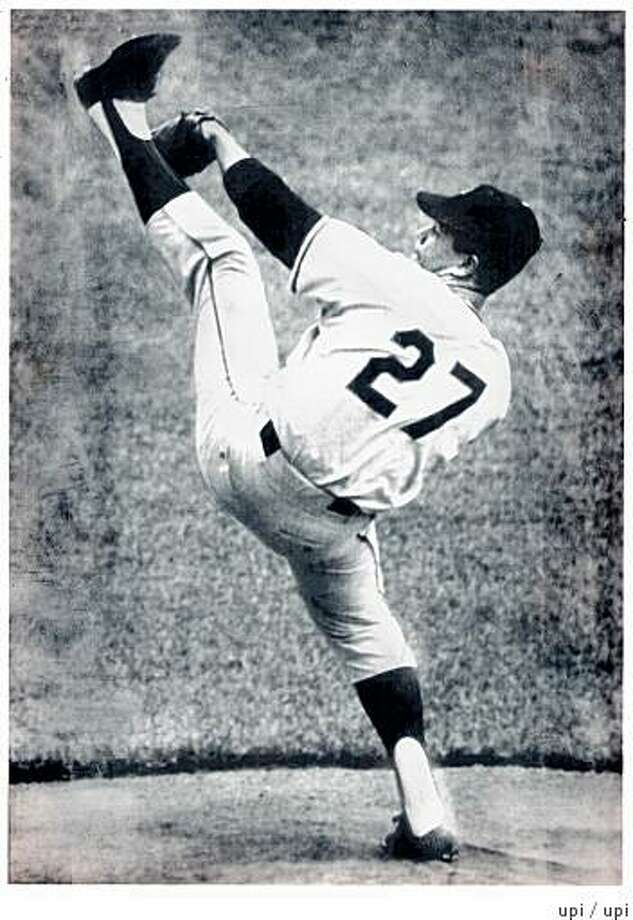 MARICHAL/C/16SEP99/SP/UPI--Juan Marichal, 1965. PHOTO BY UPI HISTORIC MOMENTS OF BASEBALL AT SAN FRANCISCO, CANDLESTICK PARK, PITCHER JUAN MARICHAL (HIGH KICK). Photo: Upi