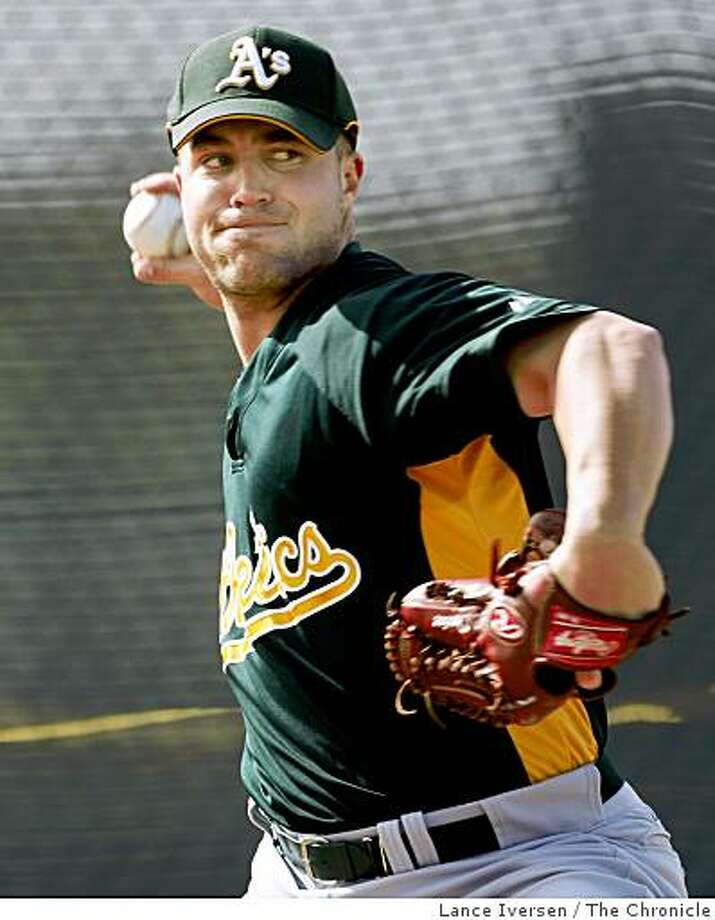 Oakland Athletics pitcher #33 Joey Devine works in the bullpen Wednesday at Papago Park, home of the Oakland Athletics during spring training while in Phoenix. By Lance Iversen/The San Francisco Chronicle Photo: Lance Iversen, The Chronicle