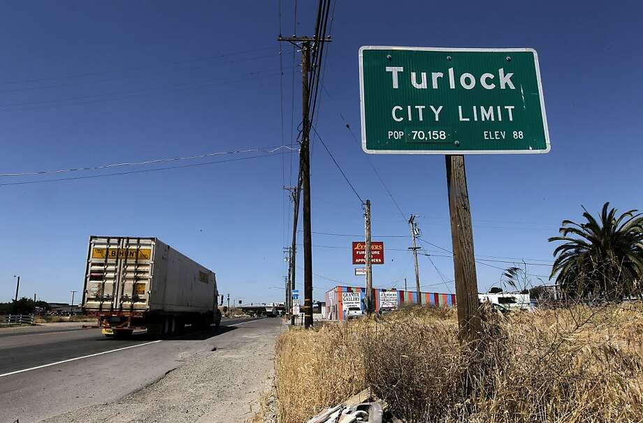 Landers Avenue, one of the main streets that runs through Turlock, Ca. on Wednesday May 4, 2011 The Central Valley town is home to  the San Francisco 49ers second round draft pick, Colin Kaepernick. Photo: Michael Macor, The Chronicle