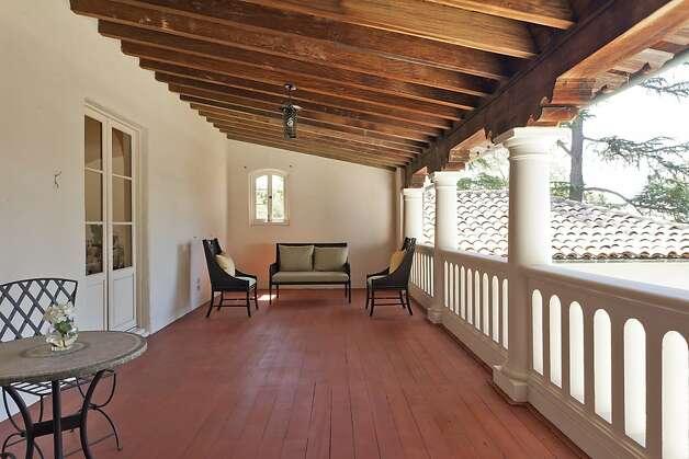 Spacious historic mediterranean home in piedmont sfgate for Mediterranean house characteristics
