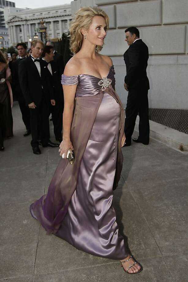 Jennifer Siebel Newsom walks into the War Memorial Opera House during the opening night of the San Francisco Opera at the War Memorial Building on September 11, 2009 in San Francisco, Calif.  Photograph by David Paul Morris / Special to the Chronicle Photo: David Paul Morris, The Chronicle