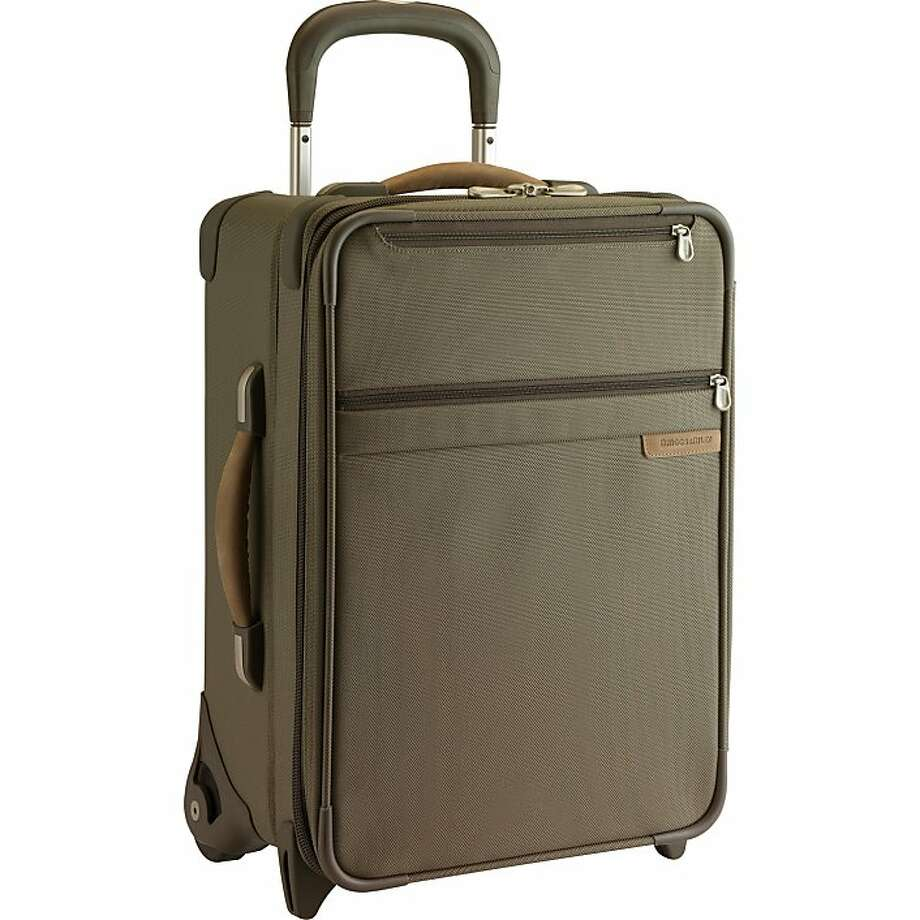 Briggs & Riley Baseline 20-inch Carry-on Expandable Upright suitcase. Photo: Briggs & Riley