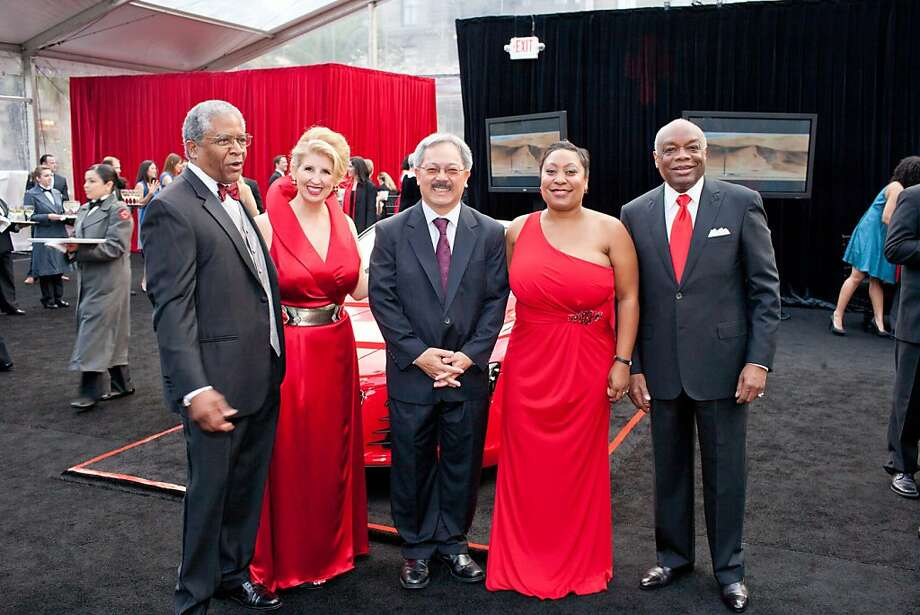 Harold Brooks(CEO, American Red Cross Bay Area Chapter), Roberta Economidis(2011 Gala Co-Chair),, Mayor Edwin Lee, Gwyneth Borden(2011 Gala Co-Chair),, Willie Brown Photo: Aubrie Pick For Drew Altizer, SFWIRE