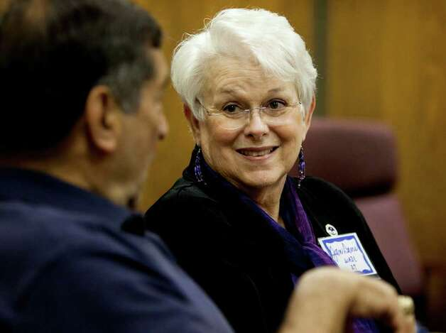 Jan Davis (right), leader of the San Antonio chapter of The Compassionate Friends, lost her son Wade in a 1999 crash. Photo: Darren Abate, For The Express-News