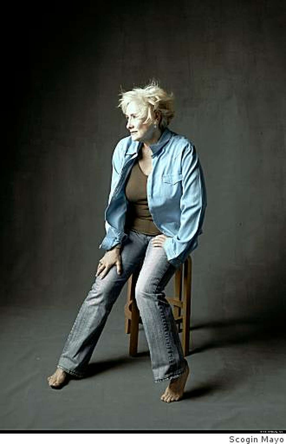"""Betty Buckley performs at Yoshi'sStyle: """"70's look"""""""