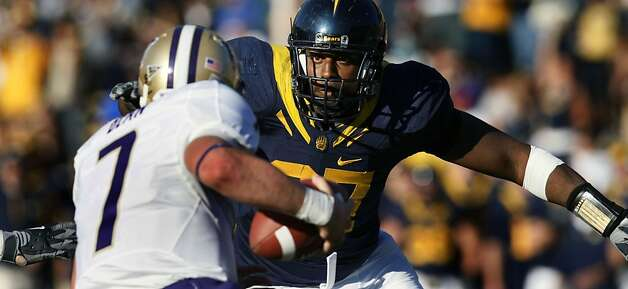CalÕs Cameron Jordan moves in on Washington quarterback Taylor Bean in the 4th quarter during their NCAA college football game in Berkeley Saturday, Dec. 6, 2008.  Cal defeated Washington 48-7 Photo: Lance Iversen, The Chronicle