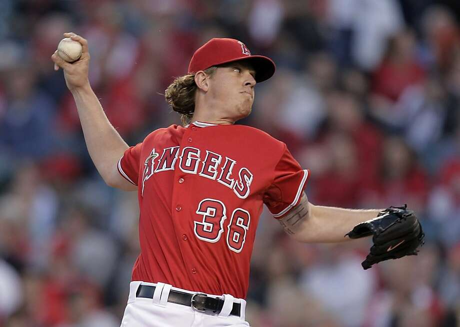 Los Angeles Angels starting pitcher Jered Weaver throws against the Oakland Athletics in the first inning of a baseball game in Anaheim, Calif., Monday, April 25, 2011. Photo: Jae C. Hong, AP