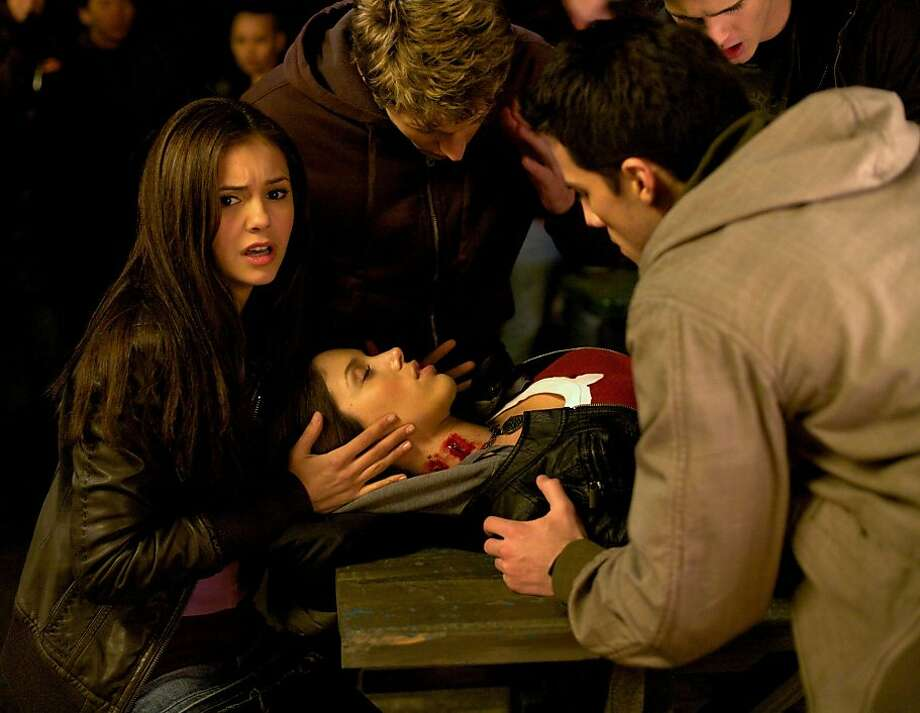 "The Vampire Diaries ""Pilot""-- Pictured (L-R)   Nina Dobrev as Elena, Kayla Ewell as Vicki, Zach Roerig as Matt, Michael Trevino as Tyler and Steven R. McQueen as Jeremy  in THE VAMPIRE DIARIES on The CW. Photo: Alan Markfield /The CW ©2009 The CW Network, LLC. All Rights Reserved Photo: Alan Markfield, The CW"