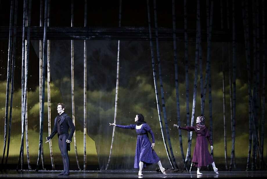 Xiao Nan Yu, Heather Ogden and Jiří Jelinek in Onegin Photo by Aleksandar Antonijevic, courtesy of The National Ballet of Canada Photo: Aleksandar Antonijevic, Courtesy Of The National Ballet