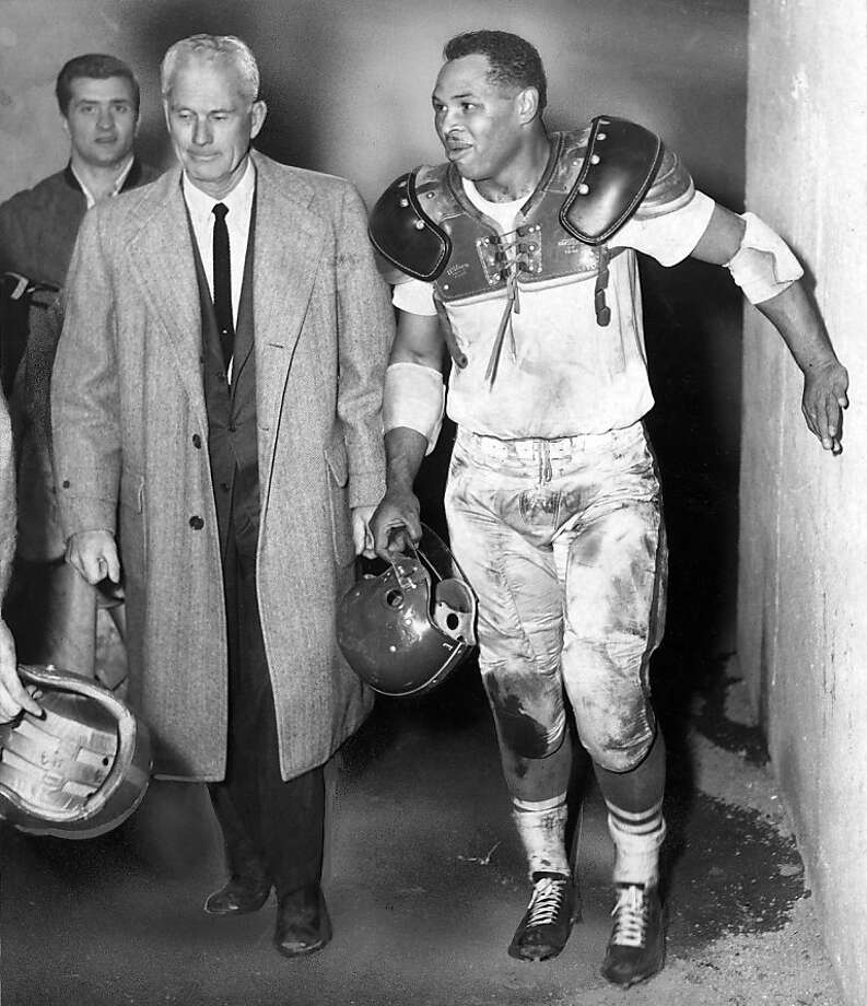 "Joe Perry, knows as ""The Jet,"" when he played with the 49ers, is shown in this 1954 photo with 49ers coach, Buck Shaw. Perry died in Arizona of complications from dementia. He was 84.  The Hall of Fame fullback was the first player with back-to-back 1,000Joe Perry, knows as ""The Jet,"" when he played with the 49ers, is shown in this 1954 photo with 49ers coach, Buck Shaw. Perry died in Arizona of complications from dementia. He was 84.  The Hall of Fame fullback was the first player with back-to-back 1,000-yard rushing seasons and nicknamed ""The Jet"" for his speed.   Photo was taken 12/11/1954. Photo: Bill Young, The Chronicle"