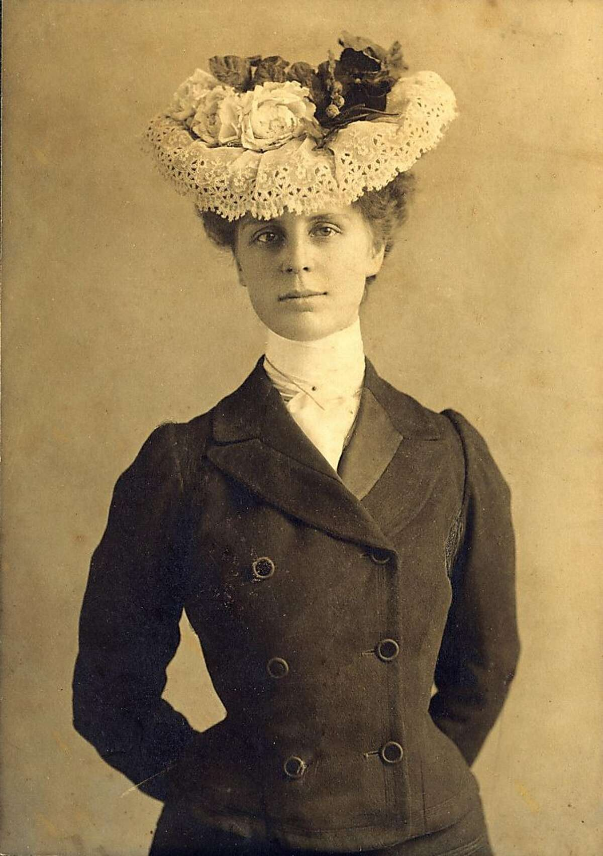 Dr. Leonie von Zesch in one of her signature hats. Date unknown, probably around 1903. She was interested in fashion and planned her attire the night before the 1906 quake to give a lift to the next day,