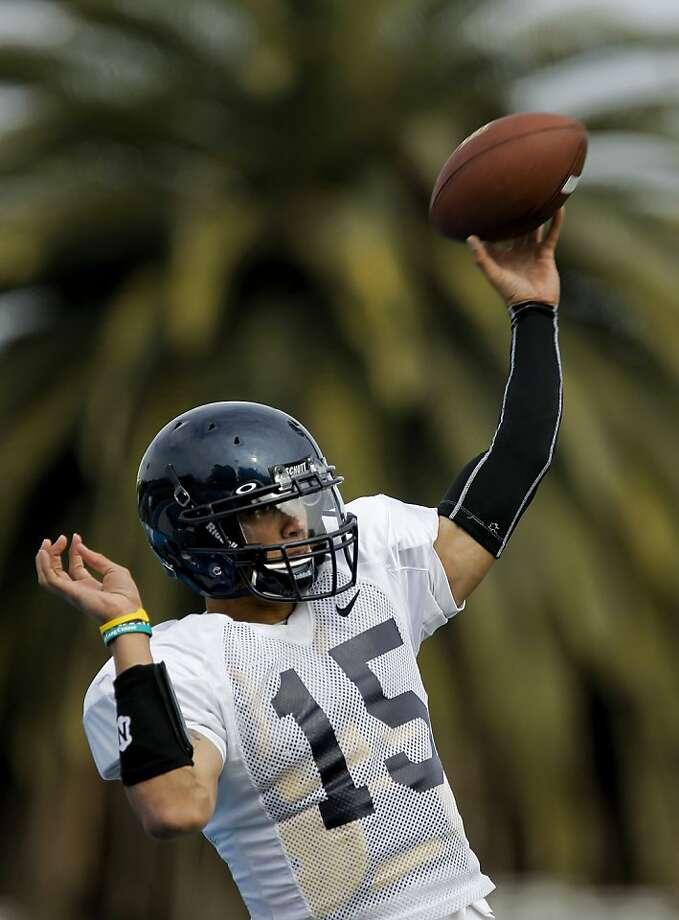 Quarterback Zach Maynard (15) runs through drills, as the Cal football team holds a practice at Contra Costa College, on Thursday April 14, 2011, in San Pablo, Ca. Photo: Michael Macor, The Chronicle